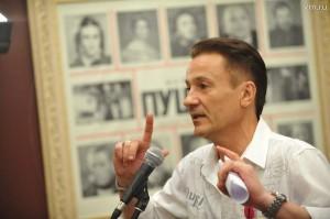 Олег Меньшиков на закрытии 88-го сезона в Театре имени Ермоловой