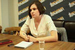 Яна Гуляева на интервью с Олегом Меньшиковым