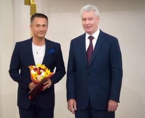 Сергей Собянин и Олег Меньшиков на вручении премий Москвы