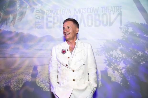 Олег Меньшиков на сборе труппы Ермоловского театра 31 августа 2016 года