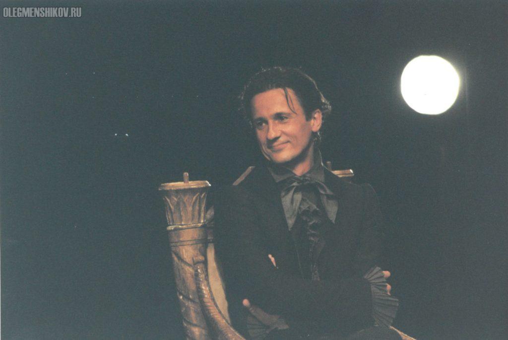 Олег Меньшиков в спектакле «Горе от ума»